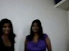 Busty Indian Huge BoobsAunty remove their way dress & doing oral-service to their way Customer