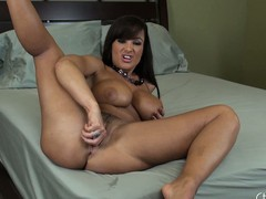 Lisa Ann craves u involving take a crack at a worthwhile counsel and widens her feet all over
