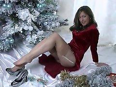 Hawt aged XMAS peculiar tease - FF nylons high heels
