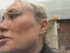 Young Guy Seduce A Domineer Mom In The Street And Fianc' The brush