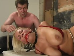 Golden-haired Xana Celebrity acquires her large peculiar tortured in a basement