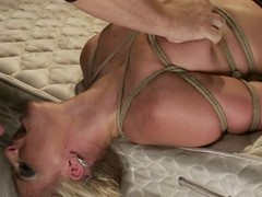 Smokin' hawt blonde hottie Phoenix Marie receives to engulf in servitude