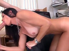 Seductive MILF India Summer munches on a biggest boo-boo to the fore receiving drenching down the brush trickling muddied bawdy cleft
